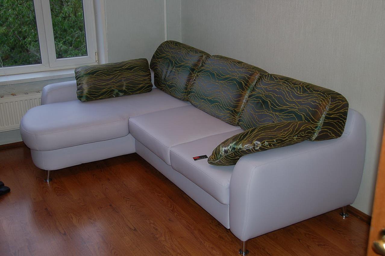 Чем обшить диван своими руками 89