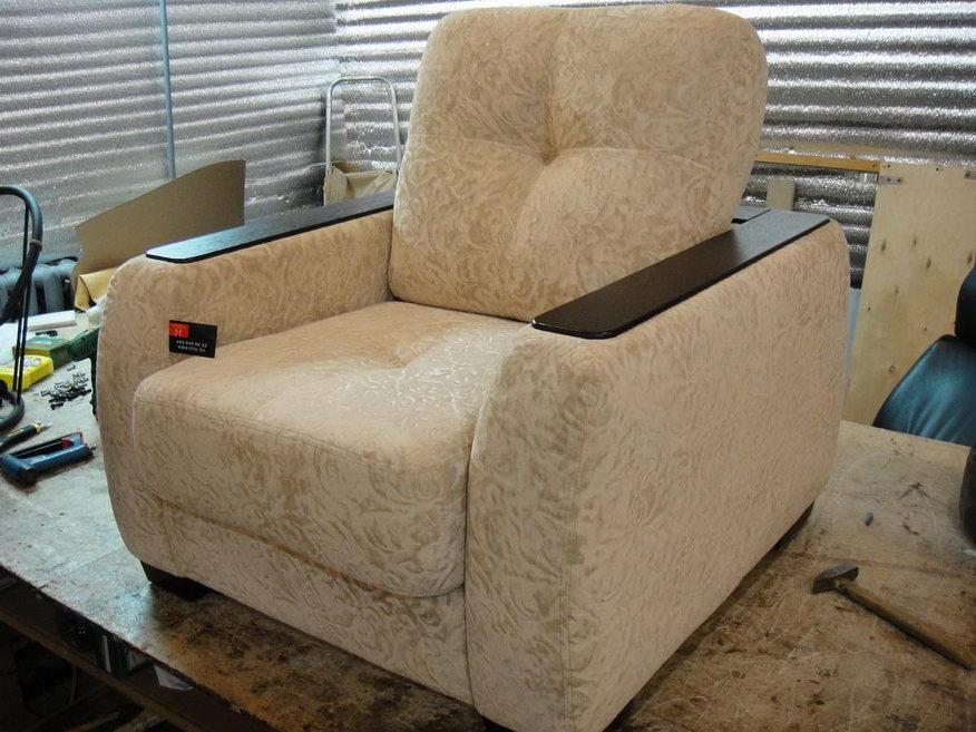 Переобить диван своими руками 15