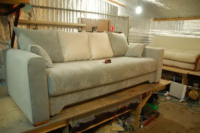Обшивка дивана своими руками фото